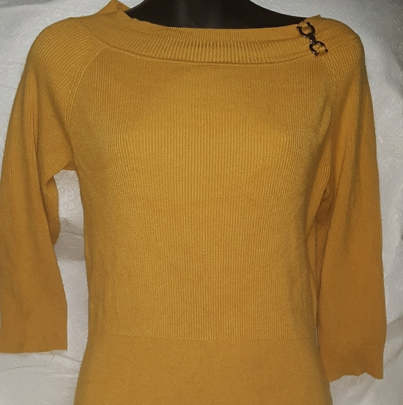 Cato Other - Cato yellow half sleeve size M